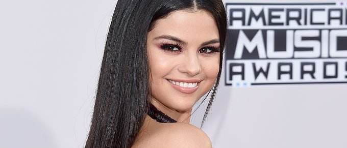 LOS ANGELES, CA - NOVEMBER 22: Recording artist Selena Gomez attends the 2015 American Music Awards at Microsoft Theater on November 22, 2015 in Los Angeles, California. (Photo by Jason Merritt/Getty Images)