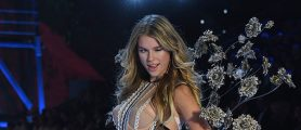This Victoria's Secret Model Is Ready To Get Back In Her Bikini, Or At Least Half Of It