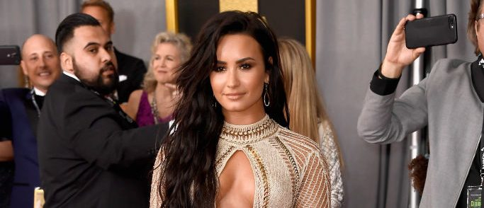 Singer Demi Lovato attends The 59th GRAMMY Awards at STAPLES Center on February 12, 2017 in Los Angeles, California.  (Photo by Frazer Harrison/Getty Images)