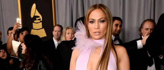 Jennifer Lopez arrived looking stunning as ever. (Photo credit: Getty Images)