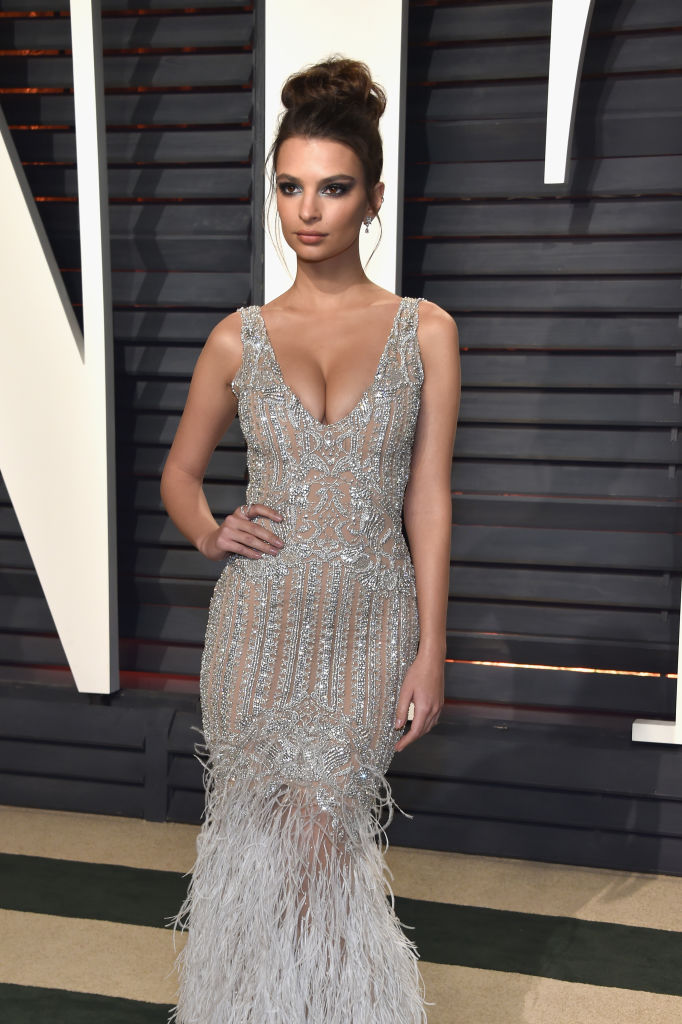 Model-actress Emily Ratajkowski attends the 2017 Vanity Fair Oscar Party hosted by Graydon Carter at Wallis Annenberg Center for the Performing Arts on February 26, 2017 in Beverly Hills, California. (Photo by Pascal Le Segretain/Getty Images)