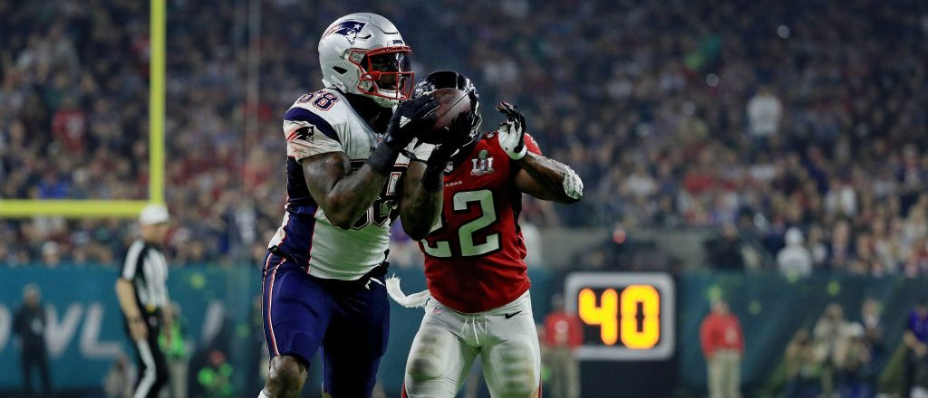 Martellus Bennett #88 of the New England Patriots is tackled by Keanu Neal #22 of the Atlanta Falcons in the fourth quarter during Super Bowl 51 at NRG Stadium on February 5, 2017 in Houston, Texas. (Photo by Mike Ehrmann/Getty Images)