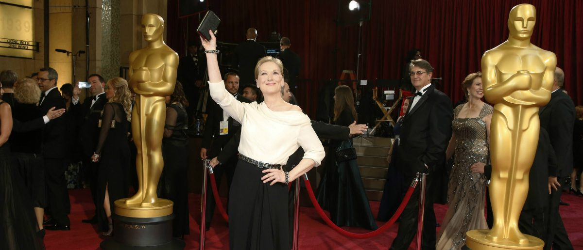 "Meryl Streep, best actress nominee for her role in the film ""August: Osage County"", waves as she arrives at the 86th Academy Awards in Hollywood, California March 2, 2014. REUTERS/Adrees Latif"
