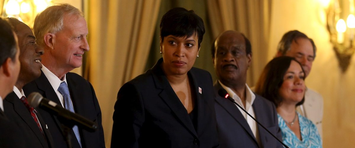 Business Leaders Urge DC Mayor To Veto Paid Family Leave