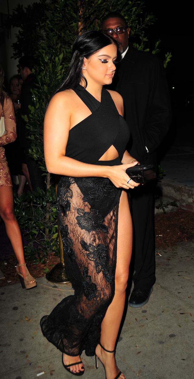 Actress Ariel Winter shows off her backside at the Vanity Fair and L'Oreal Paris Toast to Young Hollywood event, held at Delilah's in West Hollywood, California. <P> Pictured: Ariel Winter <B>Ref: SPL1447951 210217 </B><BR /> Picture by: Splash News