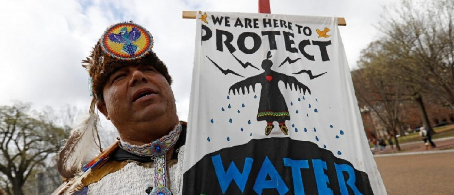 Jody Gaskin from Sault Ste. Marie, Michigan, takes part in a protest rally at the White House against the Dakota Access and Keystone XL pipelines. (Photo: REUTERS/Kevin Lamarque)