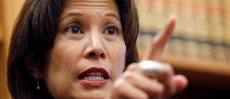 FILE PHOTO: Sacramento appeals court justice Tani Cantil-Sakauye gestures during a news conference after being unanimously confirmed to become the state's next chief justice in San Francisco, August 25, 2010. REUTERS/Robert Galbraith/File Photo