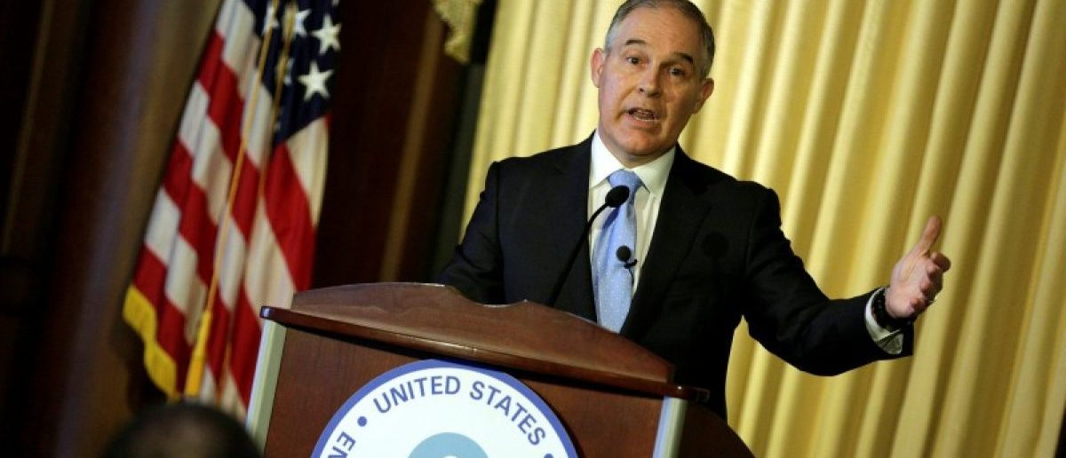 FILE PHOTO: Scott Pruitt, administrator of the Environmental Protection Agency (EPA), speaks to employees of the agency in Washington, U.S., February 21, 2017.      REUTERS/Joshua Roberts/File Photo