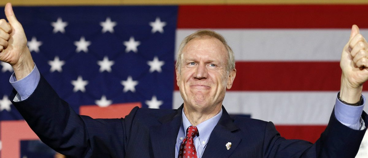 Republican Bruce Rauner gives a thumbs-up after winning the midterm elections in Chicago, Illinois, November 4, 2014. REUTERS/Jim Young