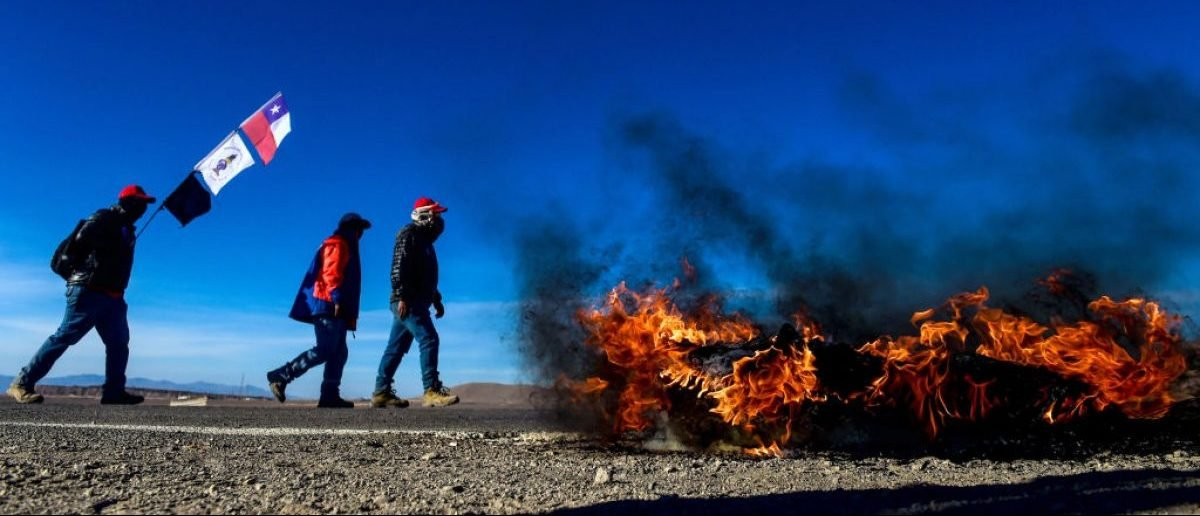 Escondida copper mine miners on strike block a road in Antofagasta, Chile, on February 15, 2017: Martin Bernetti/AFP/Getty Images