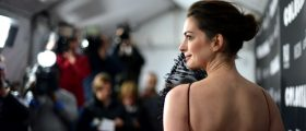Anne Hathaway Goes Backless On The Red Carpet [SLIDESHOW]