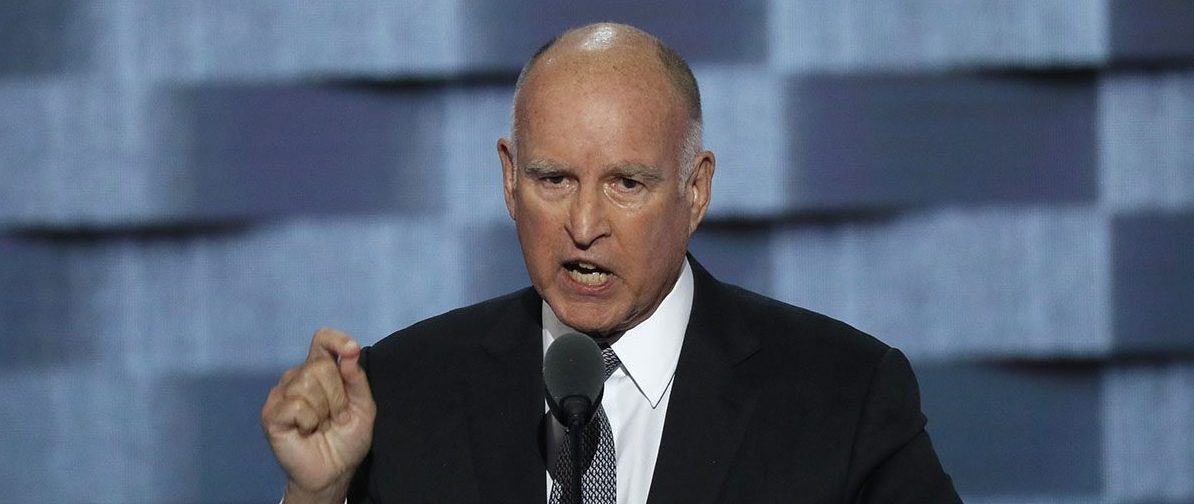 California Governor Jerry Brown speaks on the third day of the Democratic National Convention in Philadelphia, Pennsylvania, U.S. July 27, 2016. (Photo: REUTERS/Mike Segar)