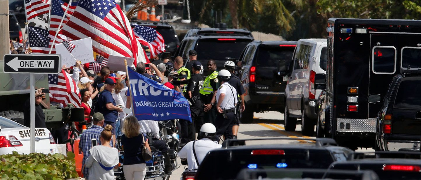 U.S. President Donald Trump's motorcade stops momentarily alongside a group of supporters as he returns to the Mar-a-Lago Club in Palm Beach, Florida, U.S. March 4, 2017. (PHOTO: REUTERS/Jonathan Ernst)