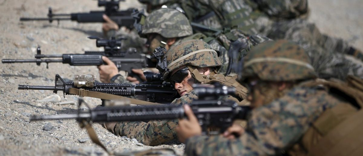 U.S. and South Korean marines participate in a U.S.-South Korea joint landing operation drill in Pohang March 30, 2015. The drill is part of the two countries' annual military training called Foal Eagle, which runs from March 2 to April 24. REUTERS/Kim Hong-Ji