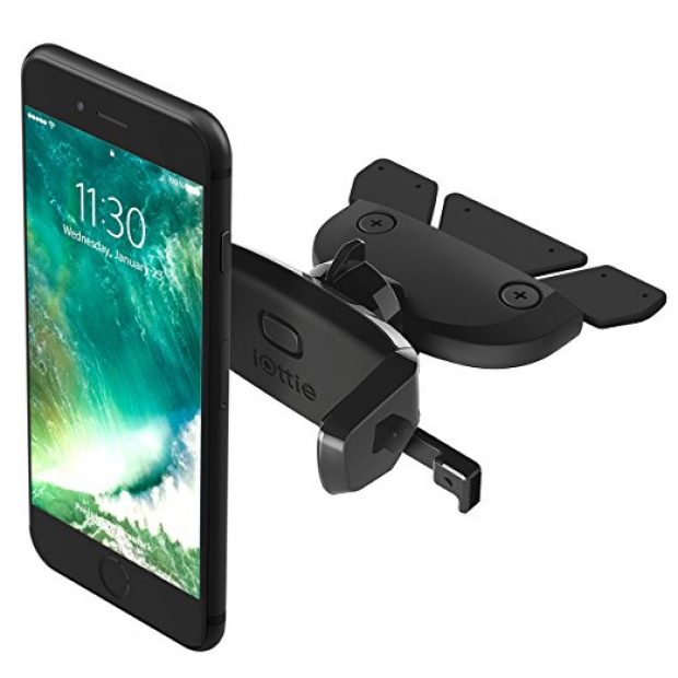 Normally $20, this bestselling car mount is 36 percent off (Photo via Amazon)