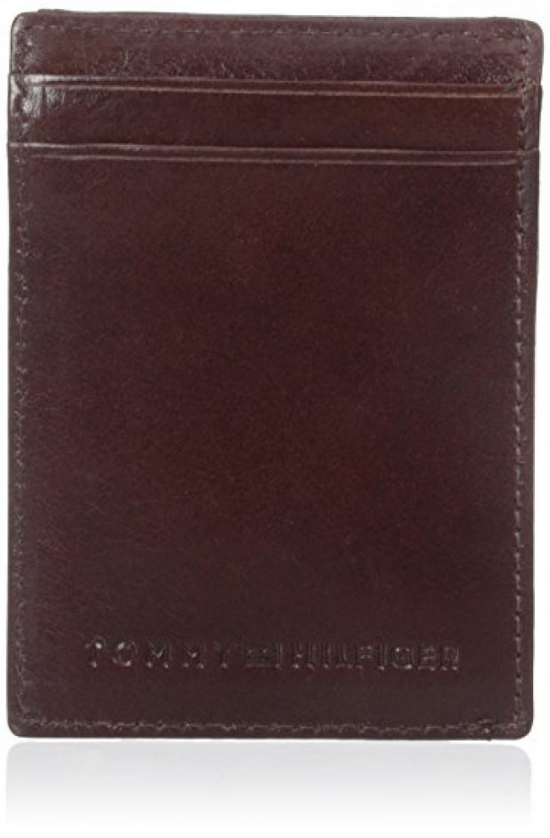 Normally $48, this wallet is 65 percent off today (Photo via Amazon)