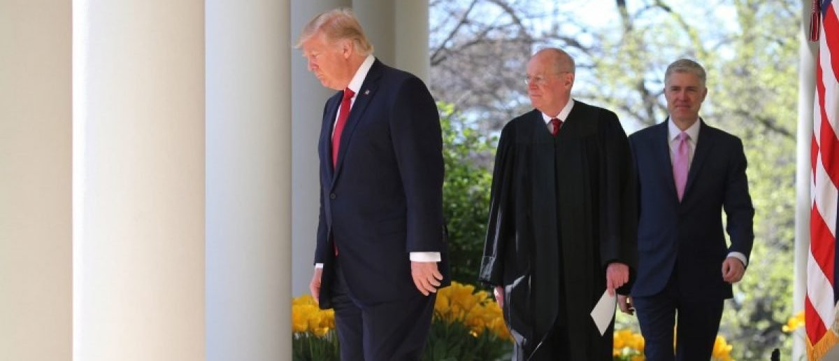 U.S. President Donald Trump, Supreme Court Associate Justice Anthony Kennedy (C) and Judge Neil Gorsuch (R) arrive at a swearing in ceremony for Judge Gorsuch as an Associate Justice of the Supreme Court in the Rose Garden of the White House in Washington, U.S., April 10, 2017. REUTERS/Carlos Barria