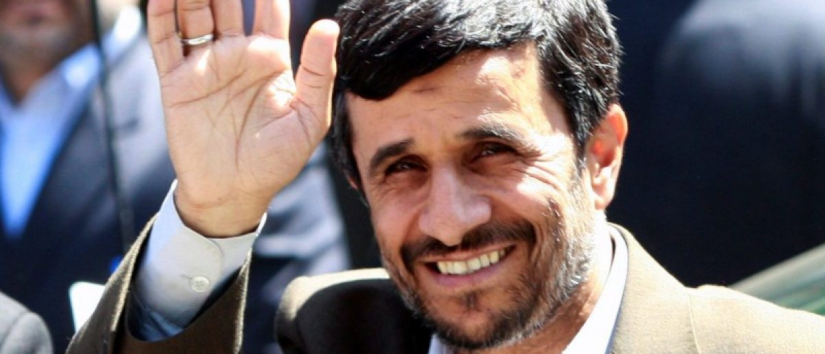FILE PHOTO: Iranian President Mahmoud Ahmadinejad waves as he arrives for Friday prayers at the 16th century Ottoman era Blue Mosque on his second day of his visit in Istanbul, August 15, 2008. REUTERS/Fatih Saribas/File Photo