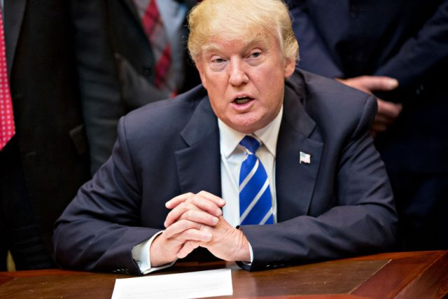Trump signs law allowing states to defund Planned Parenthood