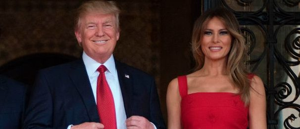 First Lady Melania Trump (R) and President Donald Trump (2nd R) pose with Chinese President Xi Jinping (2nd L) and his wife Peng Liyuan (L) upon their arrival to the Mar-a-Lago estate in West Palm Beach, Florida, on April 6, 2017. (Photo credit: JIM WATSON/AFP/Getty Images)