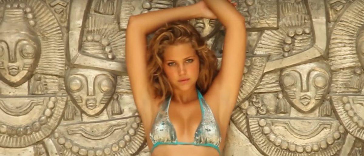 Esti Ginzburg (Credit: Screenshot/YouTube Sports Illustrated Swimsuit)
