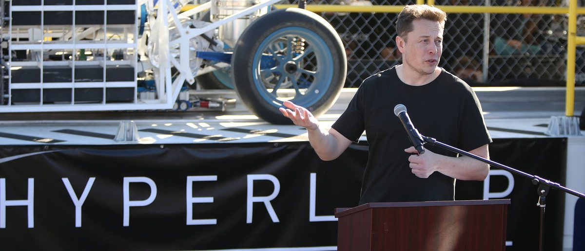 Ellon Musk, founder and CEO of SpaceX speaks before the start of the SpaceX Hyperloop Pod Competition in Hawthorne, Los Angeles, California, U.S., January 29, 2017. (REUTERS/Monica Almeida)