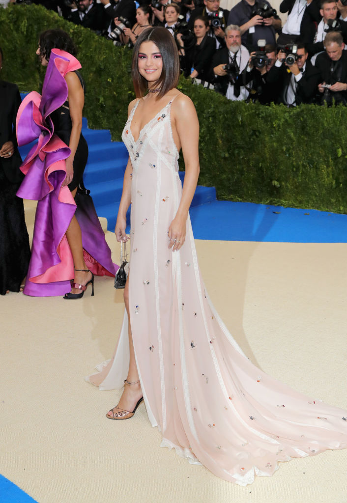 Selena Gomez always shows up looking elegant. (Photo credit: Getty Images)