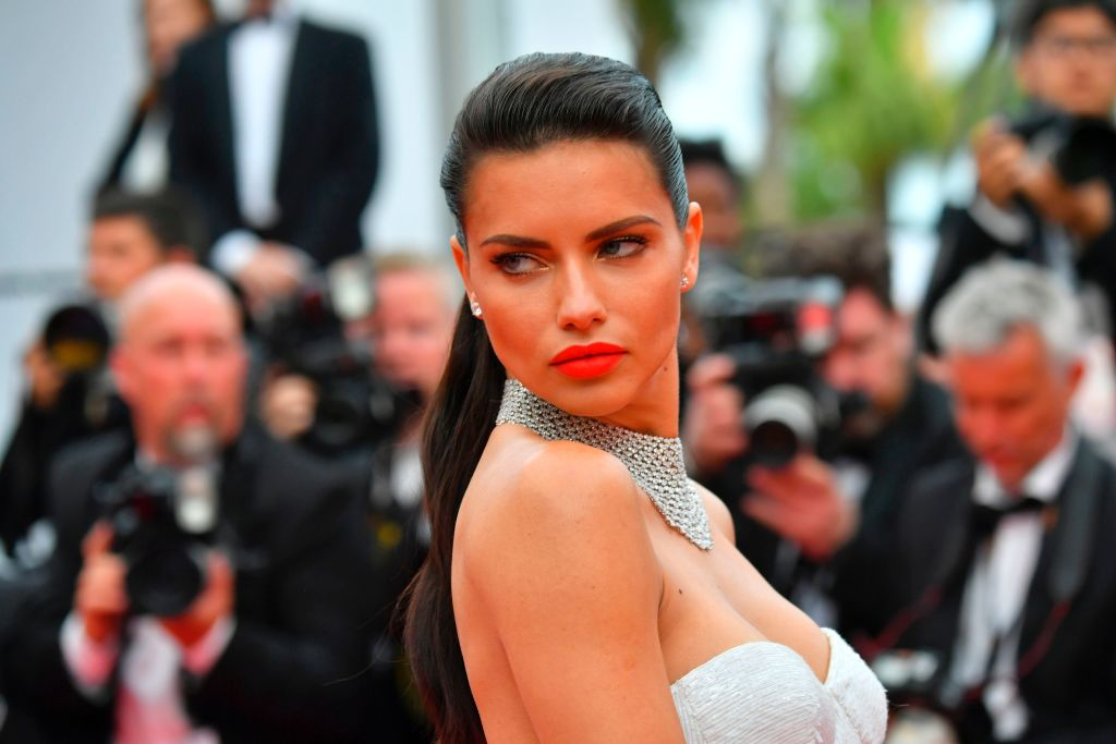 Brazilian model Adriana Lima kept it under control
