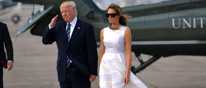 US President Donald Trump and First Lady Melania Trump make their way to board Air Force One before departing from Ben Gurion International Airport in Tel Aviv on May 23, 2017. (Photo credit: MANDEL NGAN/AFP/Getty Images)