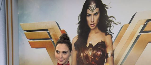 "Actress Gal Gadot attends the world premiere of ""Wonder Woman"" at the Pantages on May 25, 2017 in Hollywood, California. / AFP PHOTO / VALERIE MACON        (Photo credit should read VALERIE MACON/AFP/Getty Images)"