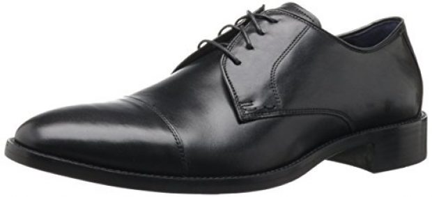 Normally $140, this Oxford is 30 percent off. It is available in both black and brown (Photo via Amazon)