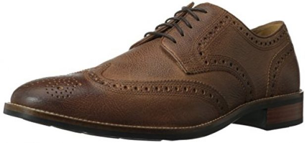 Normally $140, this pair of Oxfords is 31 percent off today (Photo via Amazon)