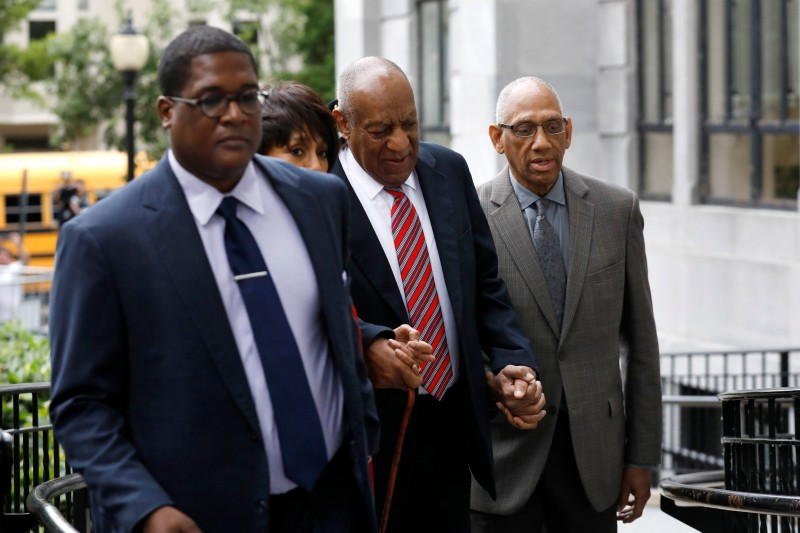 Actor and comedian Bill Cosby (C) arrives for the third day of his sexual assault trial at the Montgomery County Courthouse in Norristown, Pennsylvania, U.S., June 7, 2017. REUTERS/Brendan McDermid