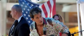 Milo Tears Into 'Liberal' Washington Pub For Equating Him To A Neo-Nazi