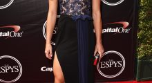 Another stunning look at the ESPY Awards (Photo: Getty)