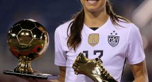 Gold is Alex Morgan's color (Photo: Getty)