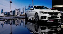 BMW 5-Series Li (REUTERS/Aly Song - RTS12XSE)