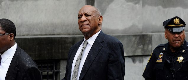 Actor and comedian Bill Cosby departs after a judge declared a mistrial in his sexual assault trial at the Montgomery County Courthouse in Norristown, Pennsylvania, June 17, 2017. REUTERS/Charles Mostoller