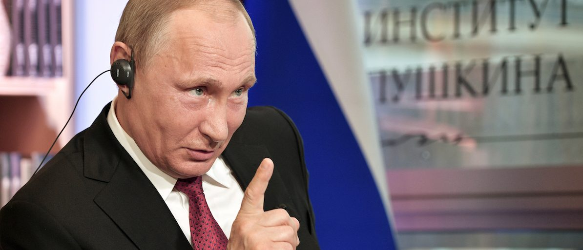 Russian President Vladimir Putin gestures during an interview with French daily newspaper Le Figaro in Paris, France May 29, 2017. Picture taken May 29, 2017. Sputnik/Aleksey Nikolskyi/Kremlin via REUTERS ATTENTION EDITORS - THIS IMAGE WAS PROVIDED BY A THIRD PARTY. EDITORIAL USE ONLY. TPX IMAGES OF THE DAY - RTX38BS0