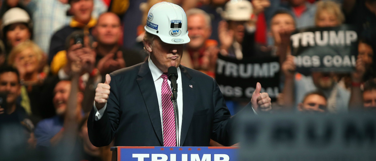 Trump hard hat construction Getty Images/Mark Lyons