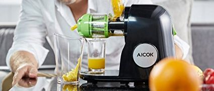 Masticating juicers are the better kind (Photo via Amazon)