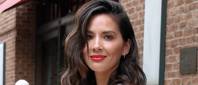 Actress Olivia Munn leaves the Greenwich Hotel in New York City. (Photo: Christopher Peterson/Splash News)