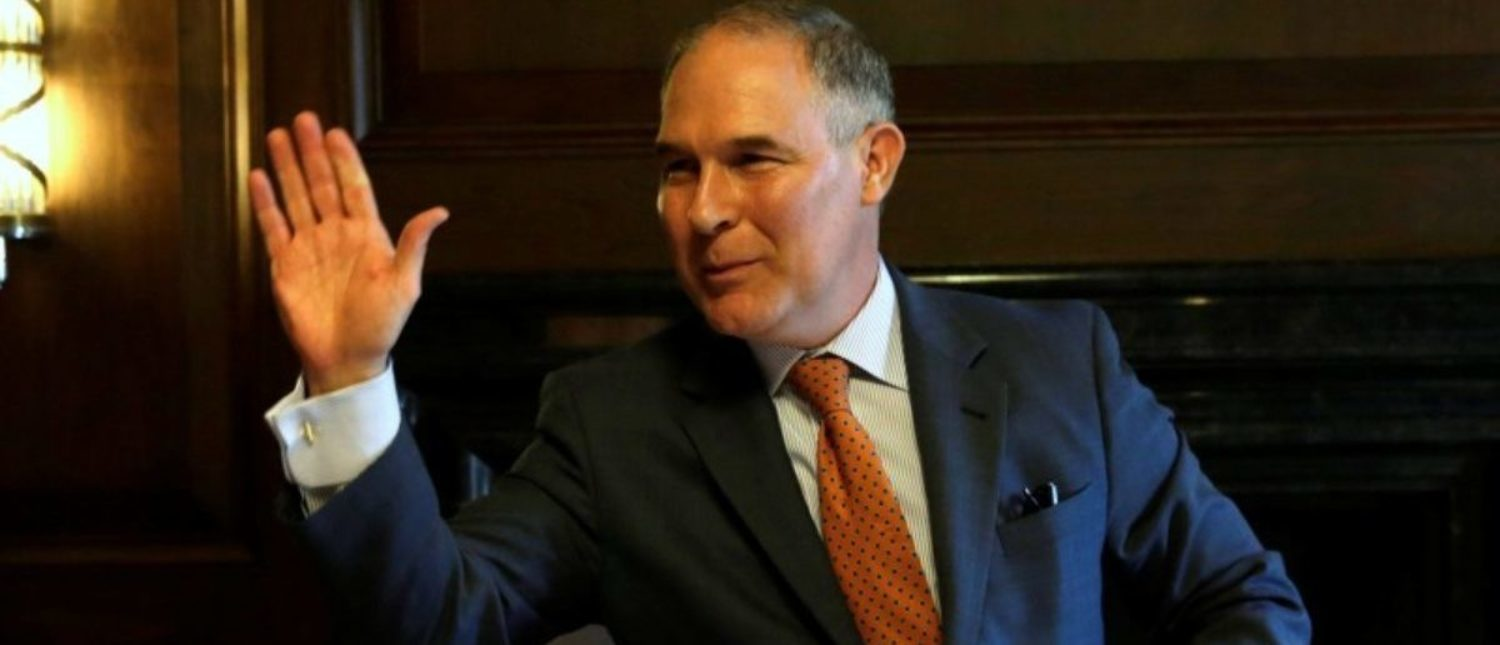 Environmental Protection Agency Administrator Scott Pruitt waves after an interview for Reuters at his office in Washington, U.S., July 10, 2017. REUTERS/Yuri Gripas