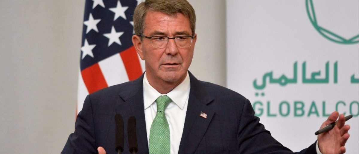 Former Secretary of Defence Ash Carter attends a press conference with Britain's Defence Secretary Michael Fallon at the Foreign Office in London, December 15, 2016. (REUTERS/Hannah McKay)