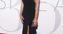 Elizabeth Hurley was breathtaking at the ELLE Magazine 30th anniversary party. (Photo: Getty)