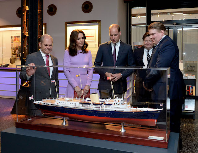 Britain's Prince William, Duke of Cambridge (C) and his wife Kate, the Duchess of Cambridge, visit the International Maritime Museum with Hamburg Mayor Olaf Scholz and museum director Peter Tamm (2nd R) in Hamburg, northern Germany, on July 21, 2017. The British royal couple are on the last stage of their three-day visit to Germany. / AFP PHOTO / POOL / Daniel Bockwoldt (Photo credit should read DANIEL BOCKWOLDT/AFP/Getty Images)