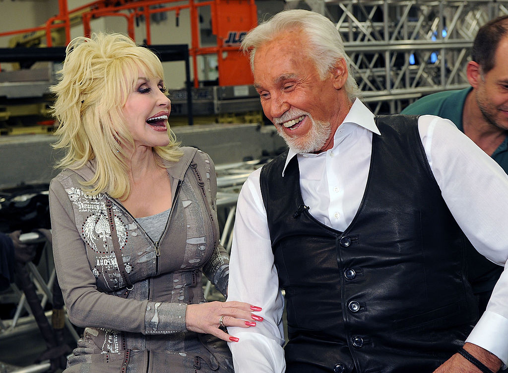 Kenny Rogers announces star-studded farewell concert
