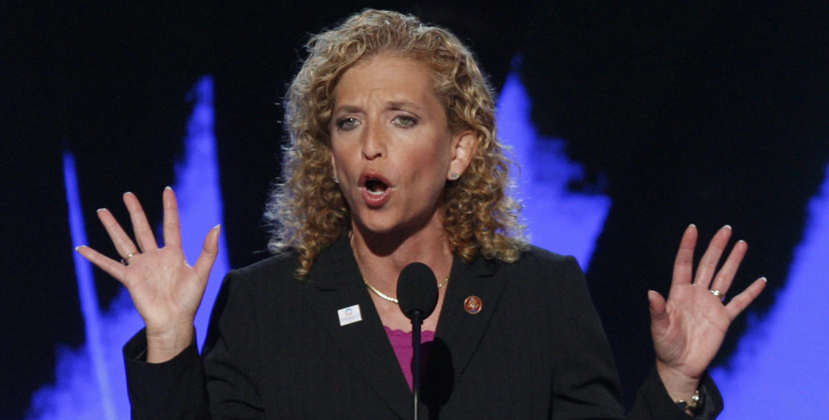 U.S. Representative Debbie Wasserman Schultz (D - FL) seconds the nomination of Sen. Barack Obama at the 2008 Democratic National Convention in Denver, Colorado, August 27, 2008. U.S. Senator Barack Obama (D-IL) is expected to accept the Democratic presidential nomination at the convention on August 28. REUTERS/Mike Segar
