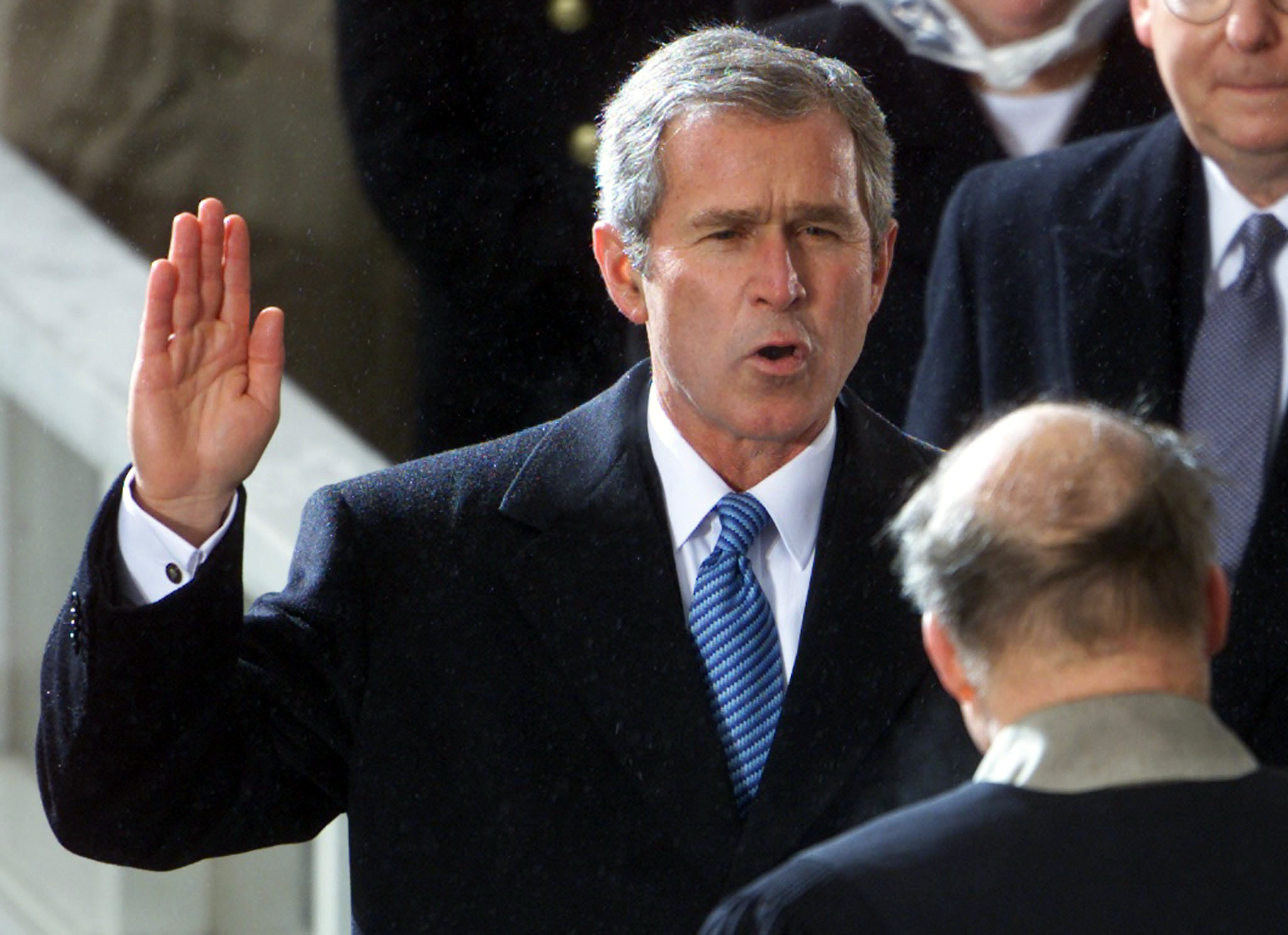 an outline of the presidential inauguration of george w bush in 2001 Englisch-klausur: george w bush, extract from his inaugural speech delivered 2001 - summary of the speech in no more than 150 words - explanation of the used.