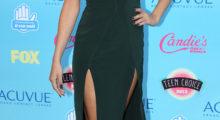 Selena makes looking beautiful easy (Photo Credit: REUTERS)